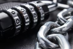关闭,保护的概念 技术blockchain,网络通行的加密 密码保护 库存照片