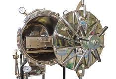 关闭黑压热器,压热器,在白色背景的绝育机器孔  保存与裁减路线 库存照片