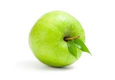 关闭绿色苹果看法  库存图片