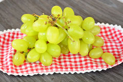 关闭绿色葡萄 免版税库存照片