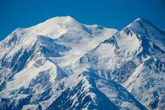 关闭Denali Mt麦金莱通畅的看法在Denali国家公园 完全地清晰视界伟大一个 免版税库存图片