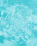 关闭Helmet Conch冰蓝色颜色的Sea Shell国王螺旋和纹理,背景的 库存图片