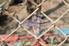 关闭Playgroung篱芭,在篱芭的焦点 库存照片