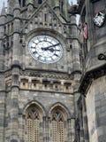 关闭rochdale lancashire的城镇厅时钟和塔  库存照片