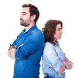关系或离婚概念-哀伤的年轻夫妇画象我 免版税库存图片