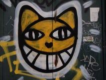 兴旺的都市街道画和街道艺术场面在里斯本,葡萄牙, 2014年 图库摄影