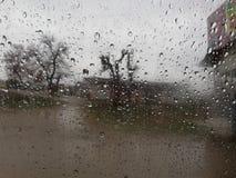 其下雨 免版税图库摄影