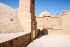 其中一个传统多孔黏土大厦在亚兹德 免版税图库摄影