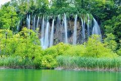 其中一个最美好的地方在世界Plitvice -克罗地亚上 免版税库存照片