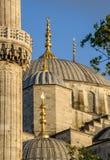 其中一个蓝色清真寺的圆顶在伊斯坦布尔,土耳其 免版税库存照片