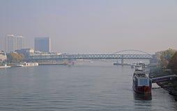 其中一座在多瑙河的桥梁在布拉索夫 库存照片