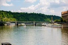其中一座桥梁在布拉格 库存照片
