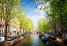 其中一条运河在阿姆斯特丹,荷兰 库存图片