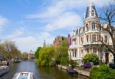其中一条运河在阿姆斯特丹 免版税库存图片