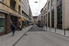 其中一条购物街道在历史中心 斯图加特 免版税库存图片