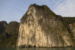 其中一种哈隆Bay's著名大岩石形成 图库摄影