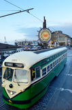 其中一辆在渔夫标记的旧金山的原始的PCC路面电车 免版税库存照片
