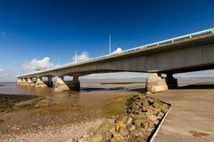 其次Severn横穿,在布里斯托尔湾的桥梁在Engl之间 免版税图库摄影