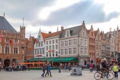 具体生活在主要集市广场,布鲁日,比利时 免版税库存照片