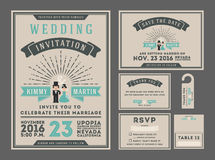 经典与夫妇动画片的葡萄酒镶有钻石的旭日形首饰的婚礼邀请设计 向量例证