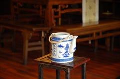 经典中国茶壶 库存照片