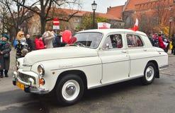 经典之作波兰汽车FSO在游行期间的华沙223 库存图片