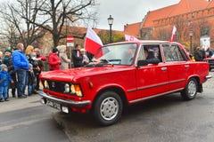 经典之作波兰汽车FSO Polski在游行期间的菲亚特125p 图库摄影