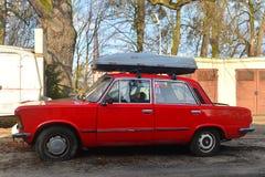 经典之作波兰汽车Polski 125p停放的菲亚特 图库摄影