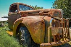 经典之作生锈了古色古香的卡车 库存图片