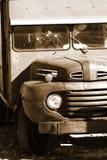 经典之作被放弃的卡车 免版税库存图片