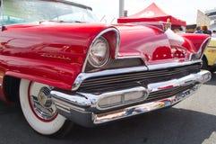 经典之作1956年林肯汽车 免版税图库摄影