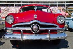 经典之作1950年福特汽车 免版税库存图片