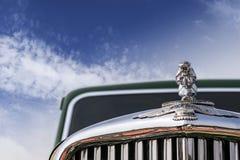经典之作1949年老朋友捷豹汽车标记v, 4门交谊厅 免版税库存照片