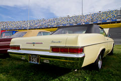 经典之作1966年薛佛列汽车 免版税图库摄影