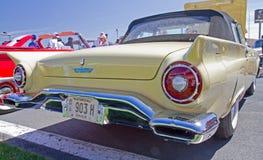 经典之作1957年Ford Thunderbird 库存图片