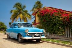 经典古巴汽车 免版税库存图片