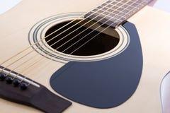 经典吉他细节特写镜头  免版税库存图片