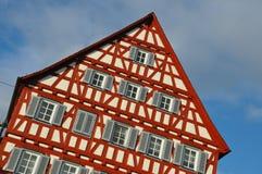 典型地用木材建造的德国半房子 库存照片