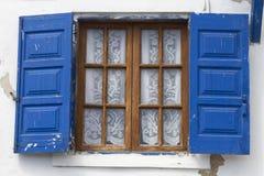 典型的传统窗口在希腊海岛 图库摄影