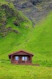 典型的假日房子在冰岛 免版税库存照片