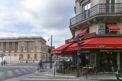 典型的咖啡馆商店在巴黎 库存图片
