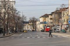 典型的大厦和街道在索非亚,保加利亚的中心  免版税库存图片