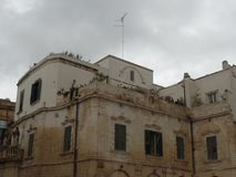 典型的大厦在莱切,普利亚,南意大利的中心 免版税图库摄影