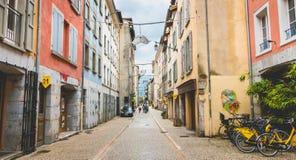 典型的大厦门面在格勒诺布尔,法国的中心 免版税库存照片