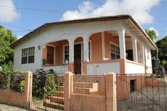 典型的家在安提瓜岛巴布达 免版税库存照片