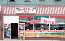 典型的小镇大街的照片在美利坚合众国 免版税图库摄影