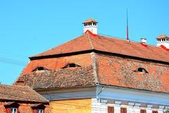 典型的屋顶& x28; eyes& x29;在一个老撒克逊人的村庄阿夫里格,锡比乌,特兰西瓦尼亚 免版税图库摄影