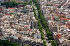 典型的巴黎人区鸟瞰图  免版税图库摄影