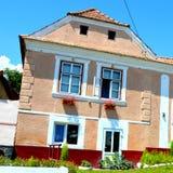 典型的房子在撒克逊人的村庄Ungra,特兰西瓦尼亚,罗马尼亚 免版税库存图片