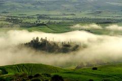 典型的托斯坎美丽的景色 免版税库存图片